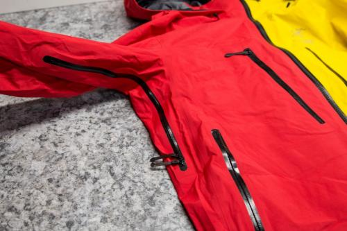 Pit Zip & Hand Pocket: Ski Guide Jacket only